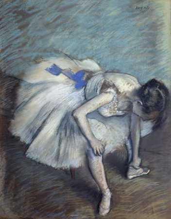 Danseuse assise