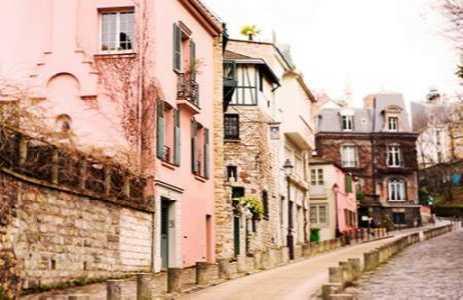 Montmartre Street - Rue de l'Abreuvoir