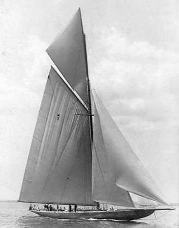The Vanitie During the Americas Cup 1910